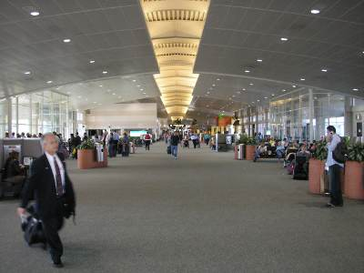 tampa-international-airport-terminal
